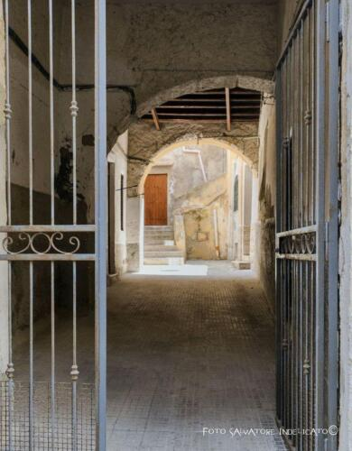 011 Cortile di Girgenti Via Oblati