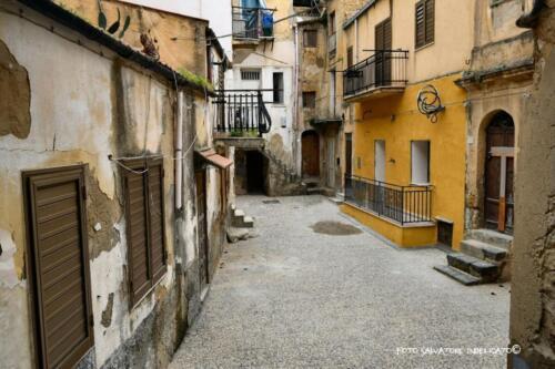 Centro storico di Agrigento: cortile in prossimità di Piano Lo Presti