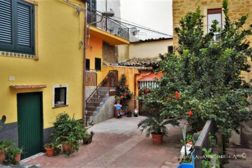 Centro storico di Agrigento: cortile in prossimità di Via San Michele